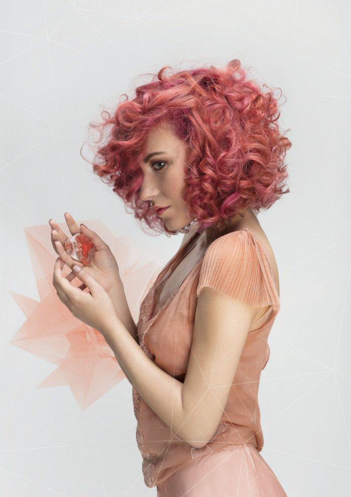 Haren kleuren? Welke kleur haar ook bij je past: bij Salon The Art Of Style in Rotterdam krijg je het mooiste resultaat!