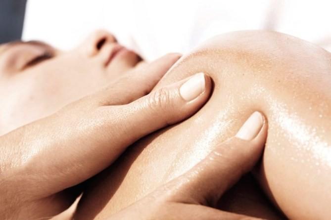 de behandeling Hot Stone massage