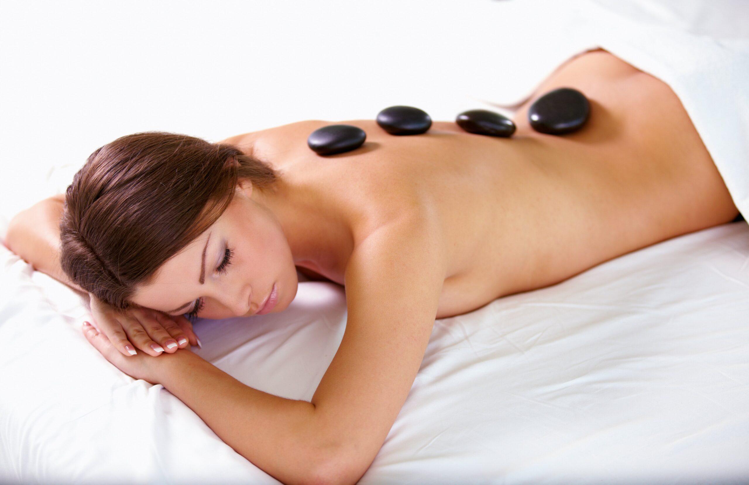 ot-stone-massage-sten- op-lichaam-stenen-the-wax-salon
